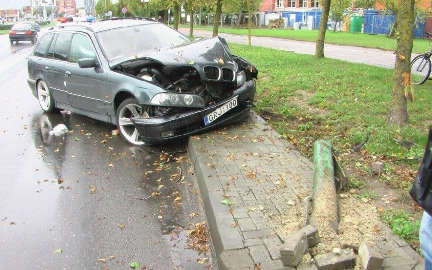 В Клайпеде в ДТП попал автомобиль BMW