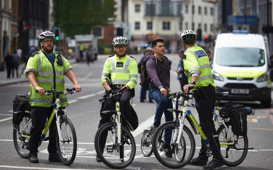 На востоке Лондона задержаны трое подозреваемых в терроризме