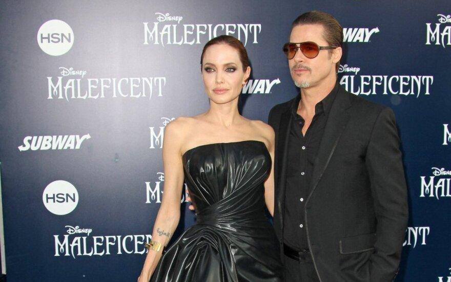 СМИ: Питт запретил Джоли усыновлять трех сирийских сирот