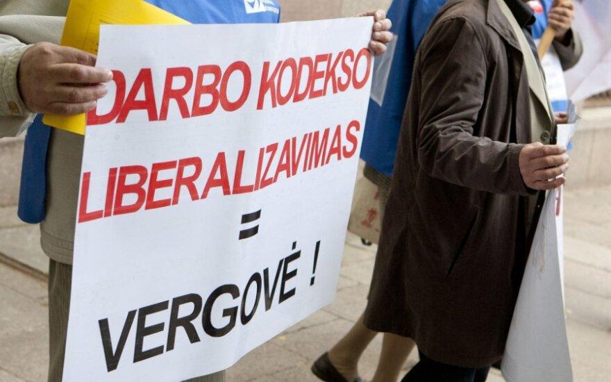 Профсоюзы: в Литве хотят узаконить рабство