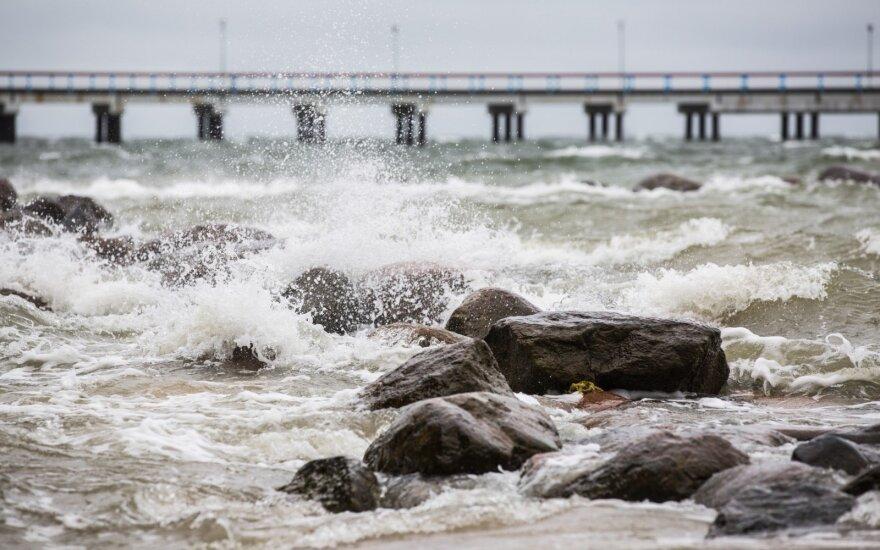 В Литве прогнозируют сильный ветер и дождь