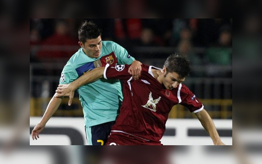 "Davidas Villa (""Barcelona"") kovoja su Salvatore Bocchetti (""Rubin"")"