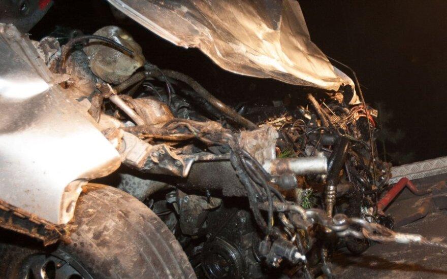 Ночью в Вильнюсе погибла управлявшая автомобилем девушка