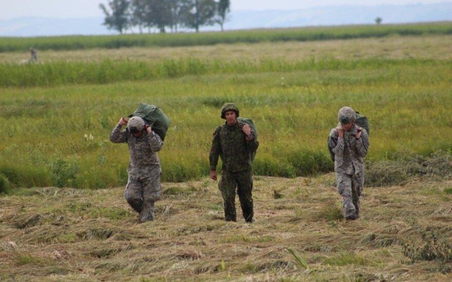 Литовские военные принимают участие в международных учениях