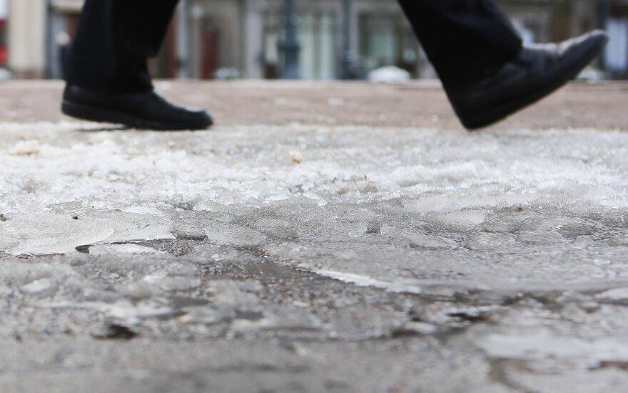 Дорожные службы Вильнюса начали зимний сезон