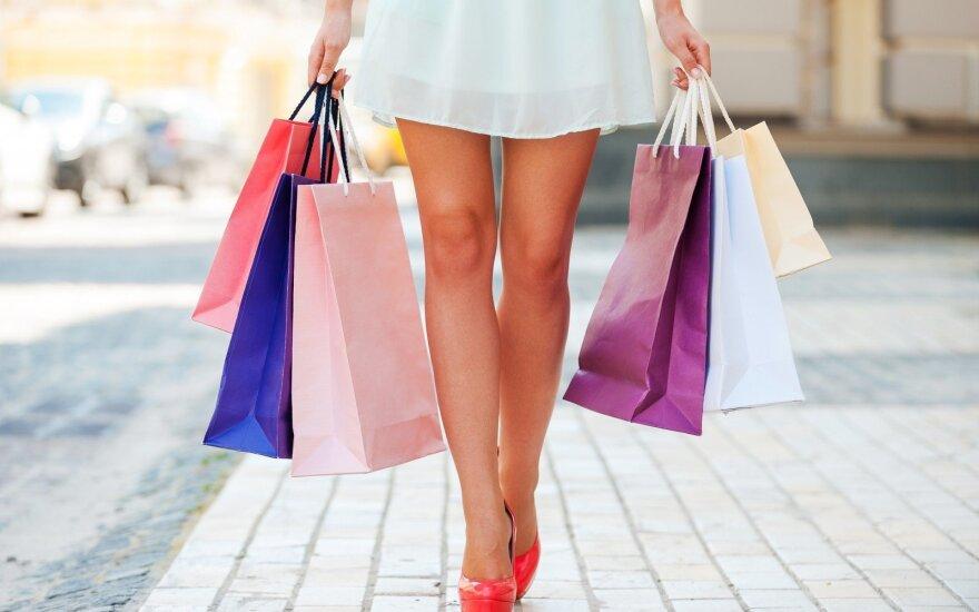 Опрос: 52% жителей Латвии ездят за покупкамии за границу