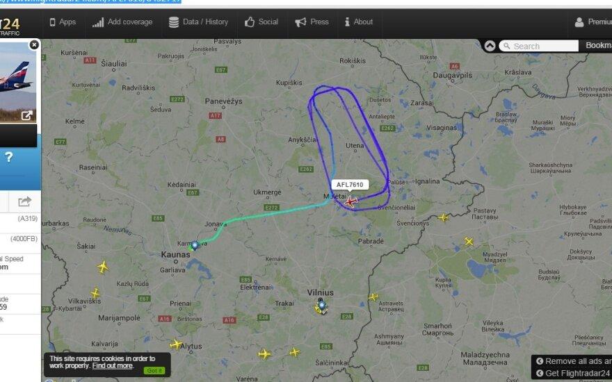 Над Утеной кружит вылетевший из Каунаса самолет