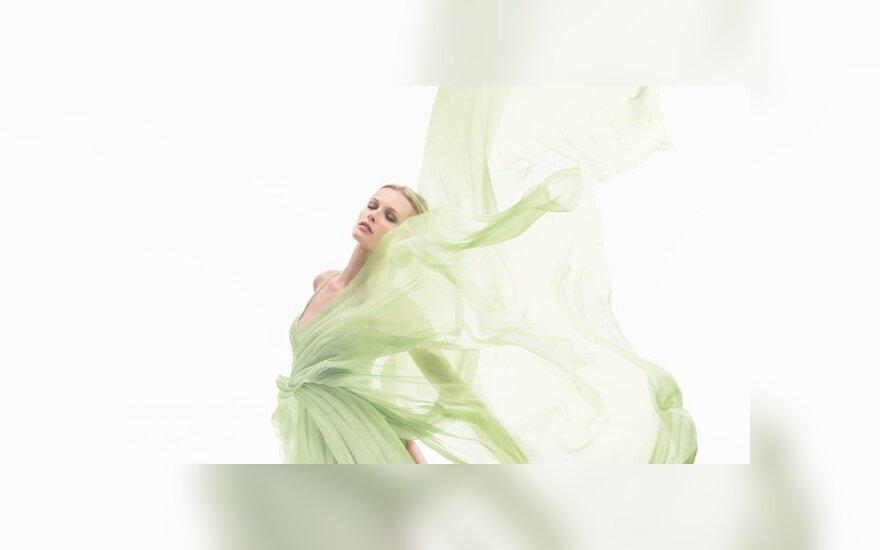 Эдита Вилькявичюте в рекламе Chanel №19 Poudré