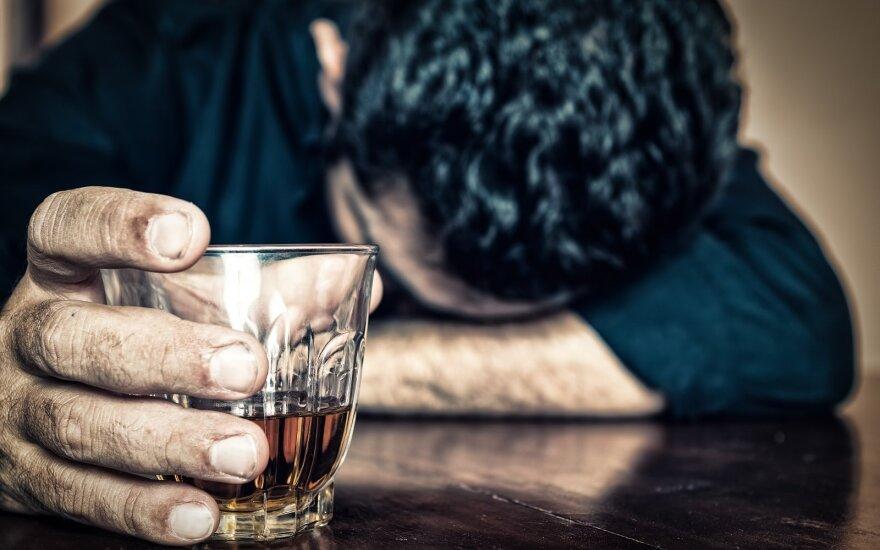 Проблему алкогольной зависимости будут решать несколько ведомств