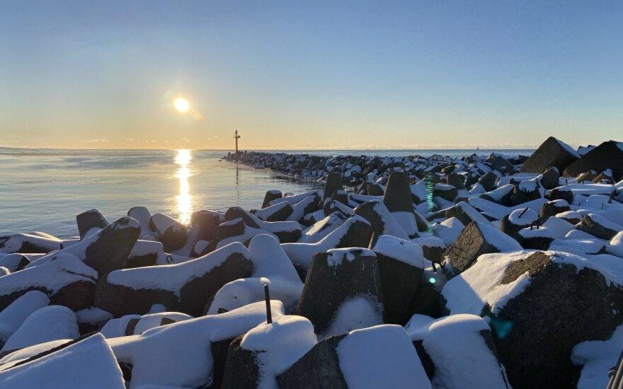 Klaipėdoje prie Melnragės – užšalusi jūra