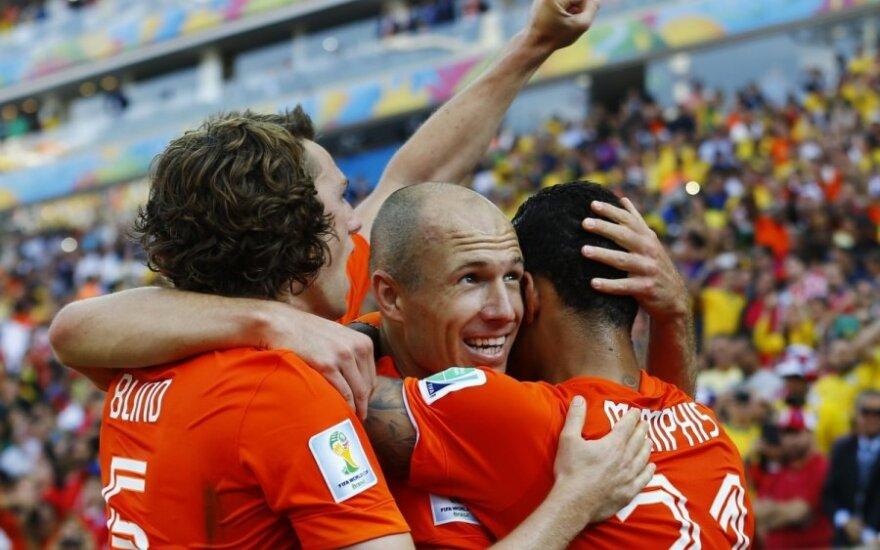 Голландия превзошла чилийцев и выиграла группу В