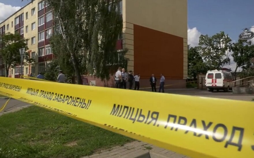 "Сотрудники СПБТ ""Алмаз"" МВД освободили заложника в Заславле"
