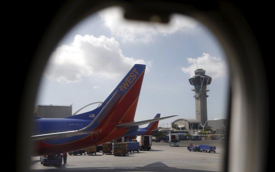 В США пилоты посадили Boeing с развалившимся в воздухе двигателем