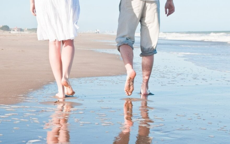 Потливость ног и сухость стоп: что делать?