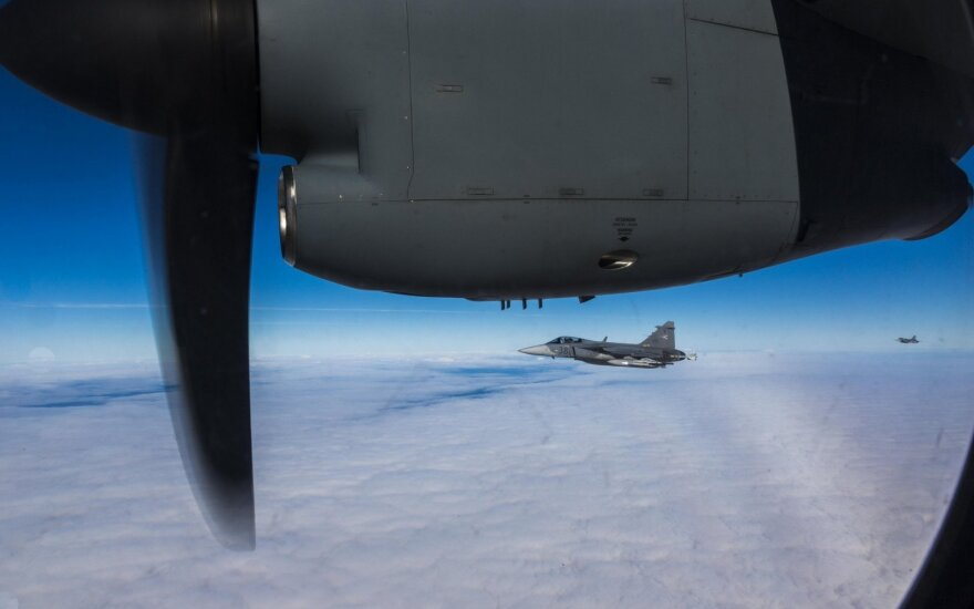 Истребители Испании прибывают в Шяуляй для патрулирования неба Балтии