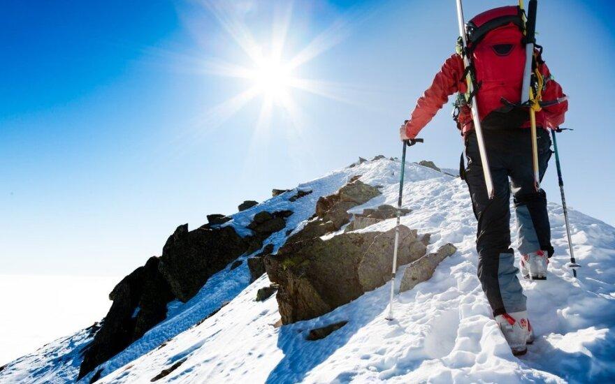 В Киргизии со скалы упал литовский альпинист, ведутся поиски