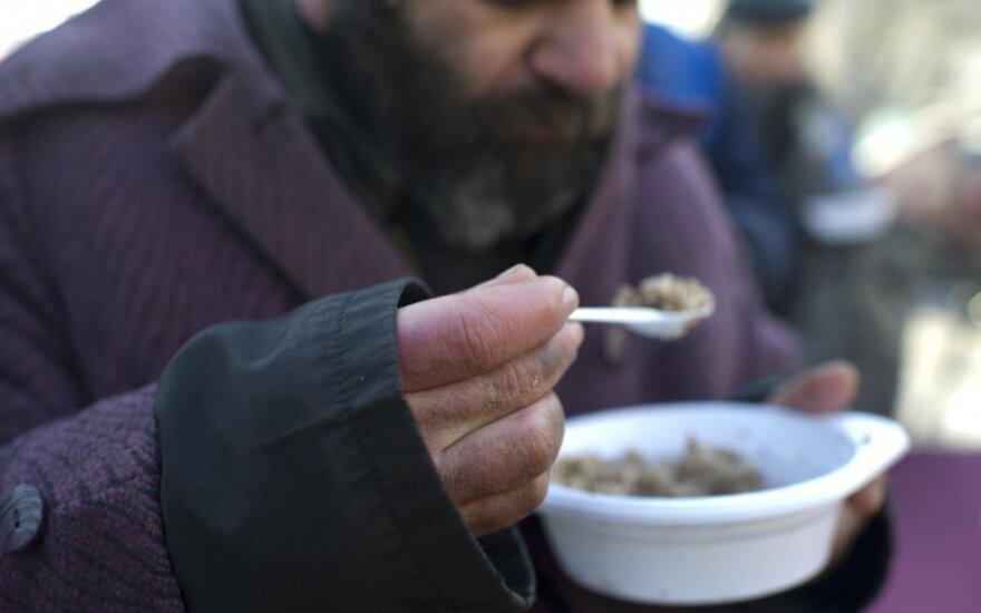 Rusija, vargetos, skurdas, nemokamas  maistas