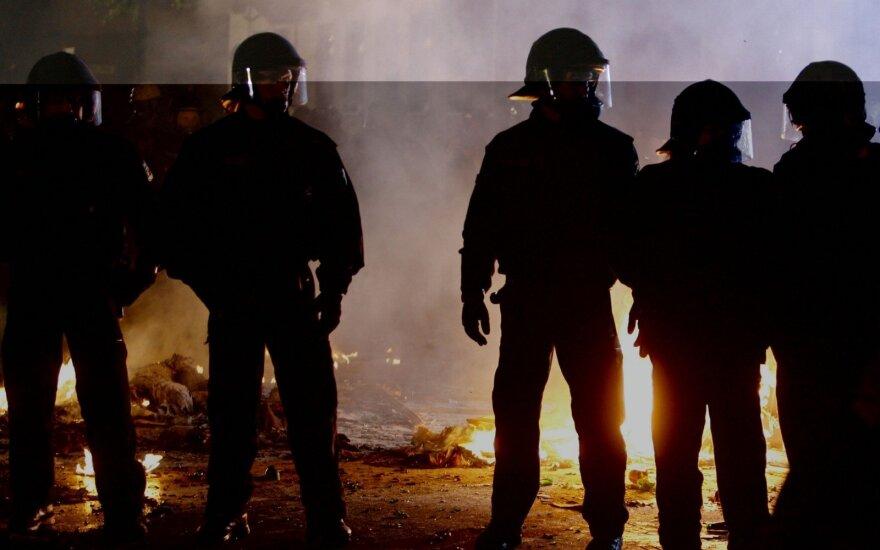 В немецком Штутгарте столкновения демонстрантов с полицией: сотни задержанных