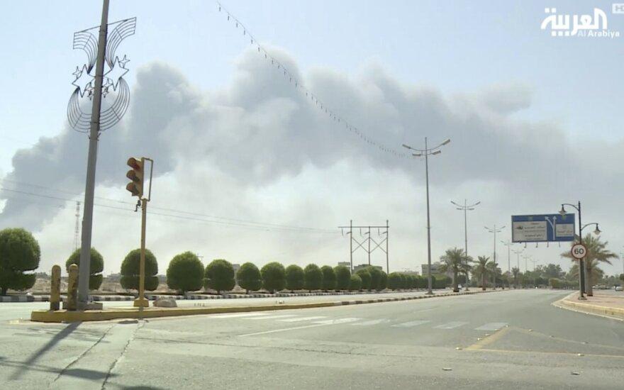 JAV dėl dronų atakų prieš naftos kompleksus Saudo Arabijoje kaltina Iraną