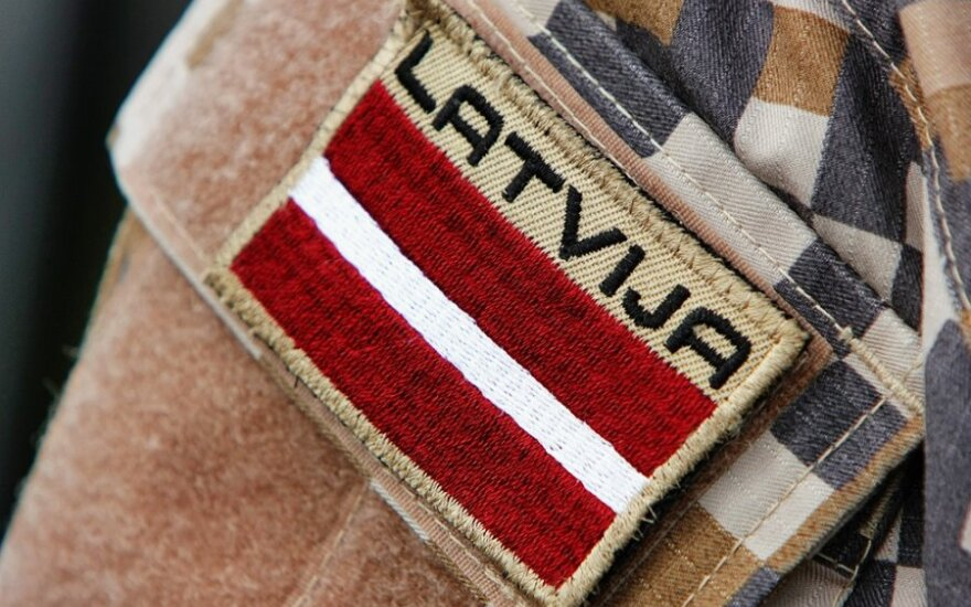 Литва модернизирует армию, а что происходит у соседей латвийцев?