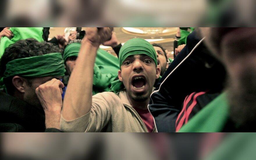 Libijos lyderio M. Gaddafi rėmėjai protestuoja prieš JT sprendimą