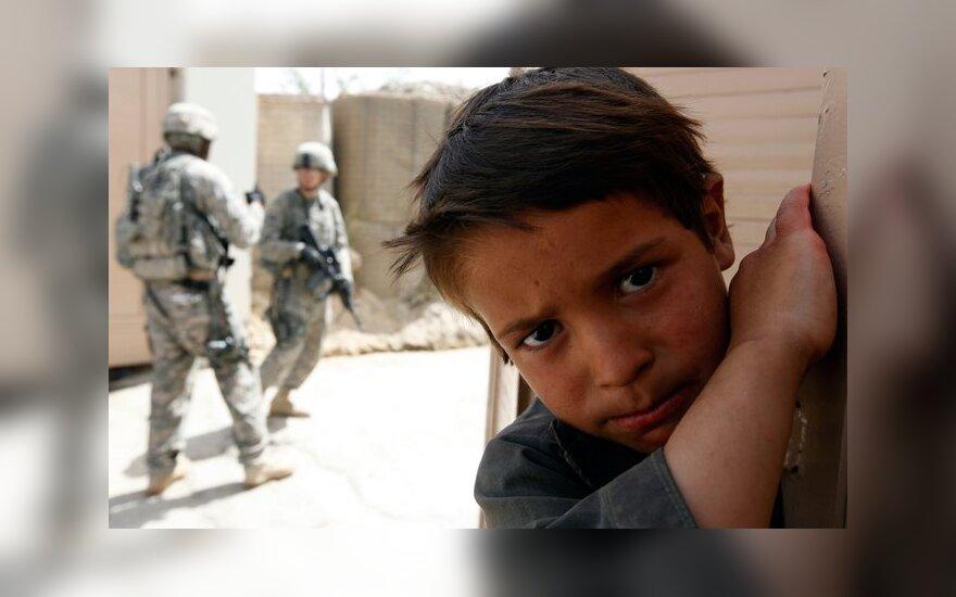 В Афганистане дети играют в террористов-смертников