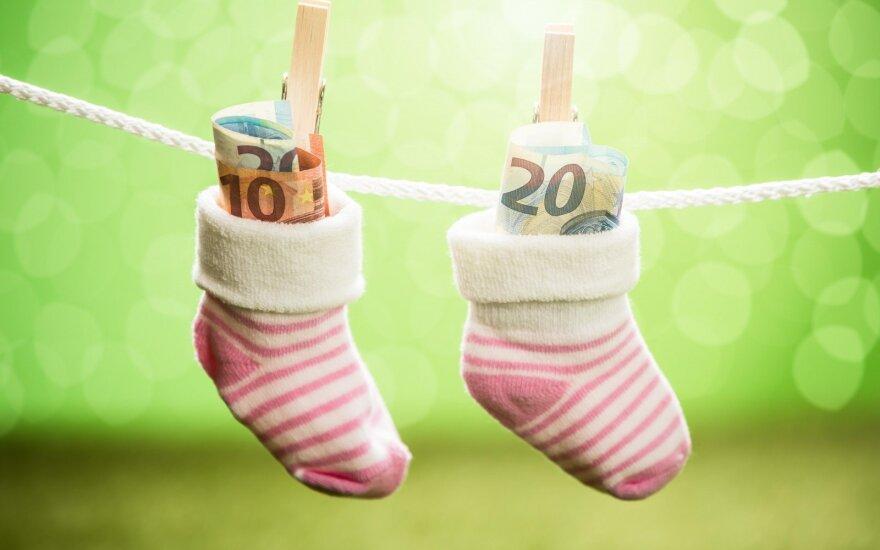 """""""Детские"""" деньги получили еще не все, но уже говорят об их увеличении"""