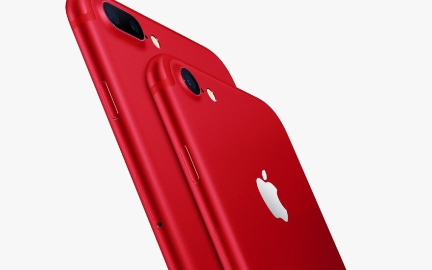 raudonas iPhone, Apple nuotr.