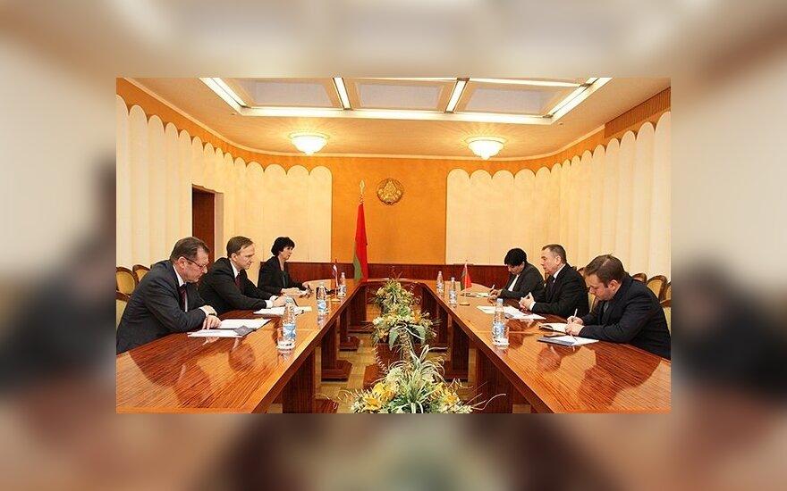Госсекретарь МИД Латвии встретился с Макеем в Минске