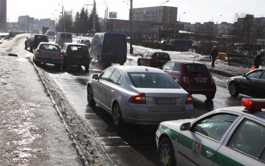 В Вильнюсе в ДТП с участием трех автомобилей пострадала беременная водитель