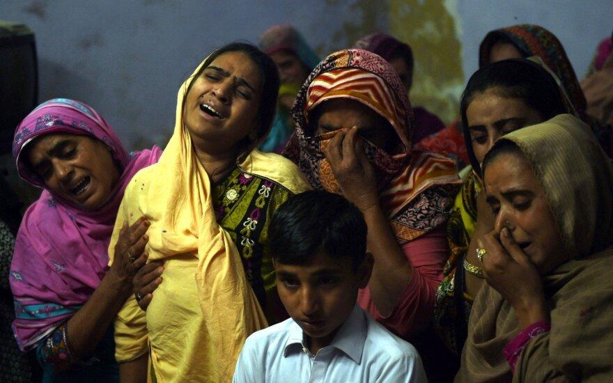 Pakistanas gedi teroristinio išpuolio šventykloje aukų