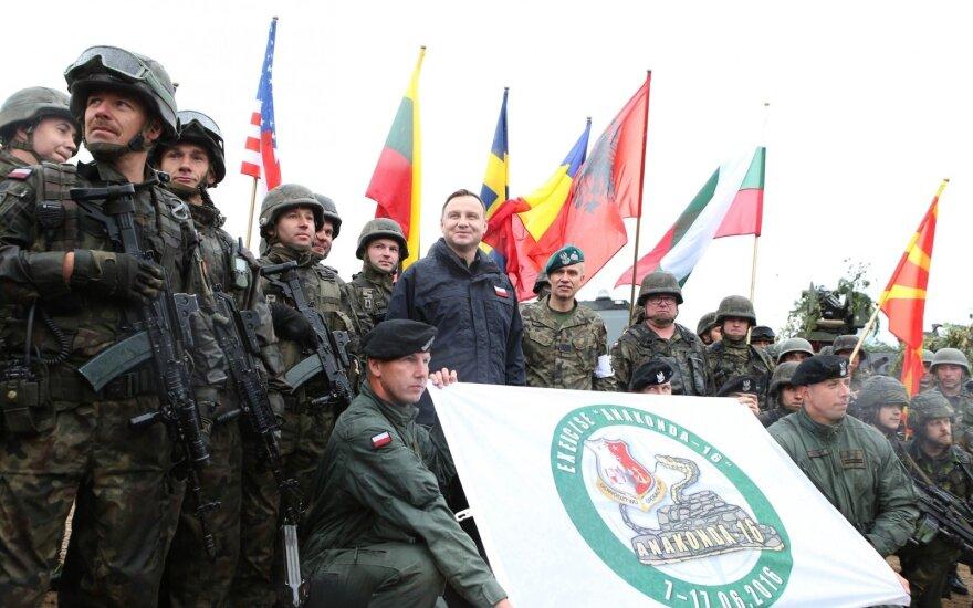 Prezydent obserwuje ćwiczenia Anakonda-16 (fot. Grzegorz Jakubowski / KPRP) (21 / 41)