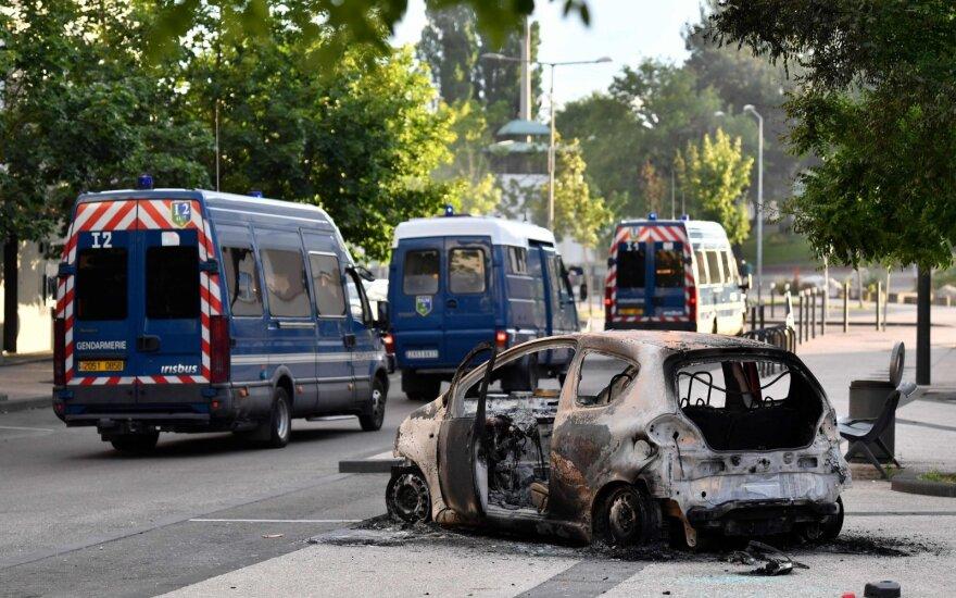 В Дижоне третий день продолжаются беспорядки. В них участвуют выходцы из Чечни