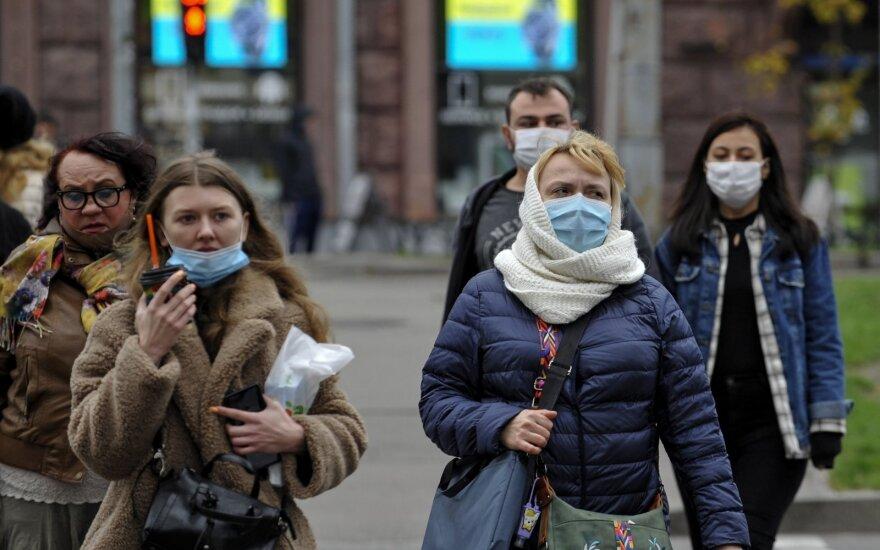 С понедельника в Литве придется изолироваться приехавшим еще из 4 стран