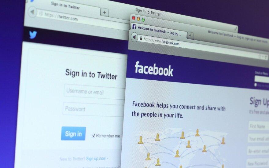 """""""Twitter"""", """"Facebook"""""""