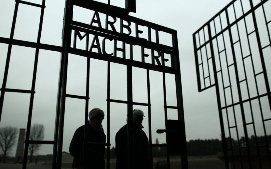 Nastolatkowie z UK okradli muzeum w Oświęcimiu