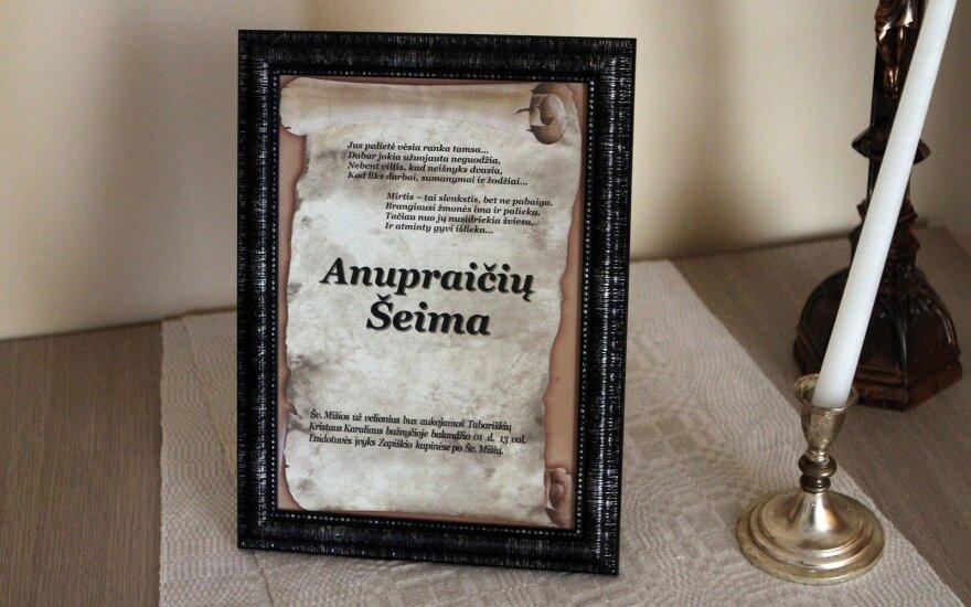 Atsisveikinimas su Anupraičių šeima