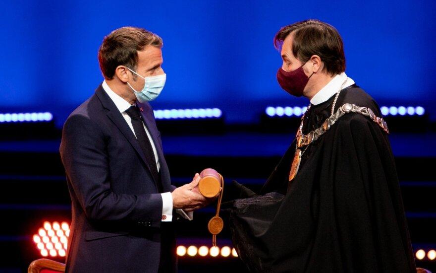 Президенту Франции присвоено звание почетного доктора ВУ