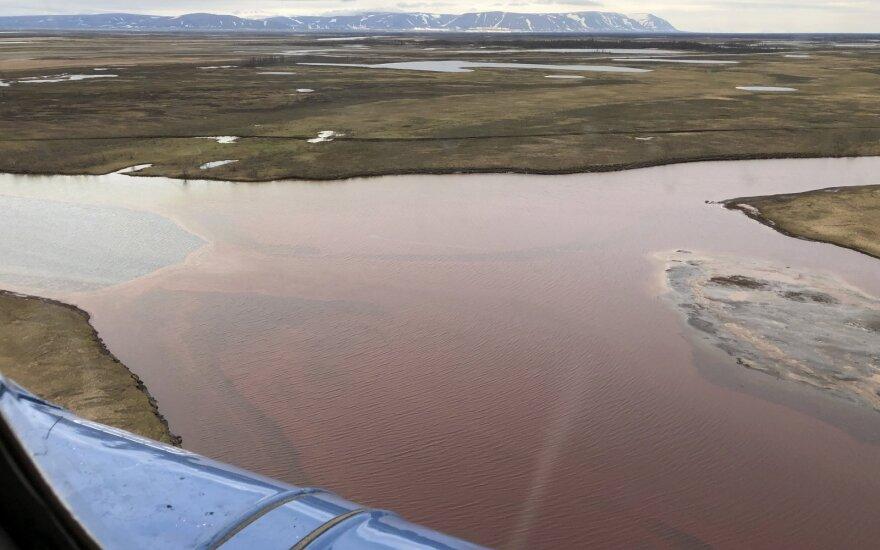 Norilske į upę išsilieję naftos produktai