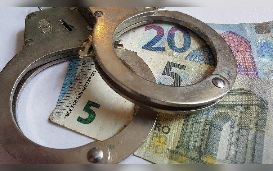 """""""Евробарометр"""": каждый третий в Литве знает, кто взял взятку"""