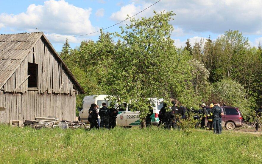 Выводы экспертов: на пожарище найдено тело стрелявшего в полицейских мужчины