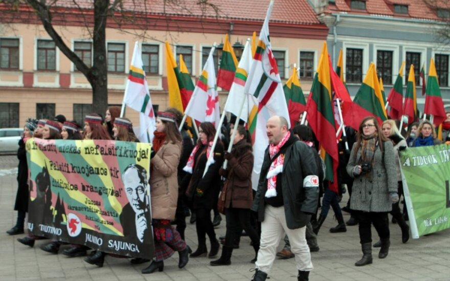 В патриотическом шествии в Каунасе приняли участие около 150 человек