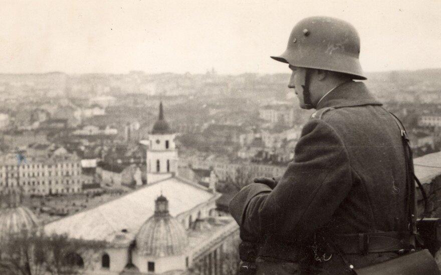 Lietuvos karys Gedimino pilyje 1939 m.