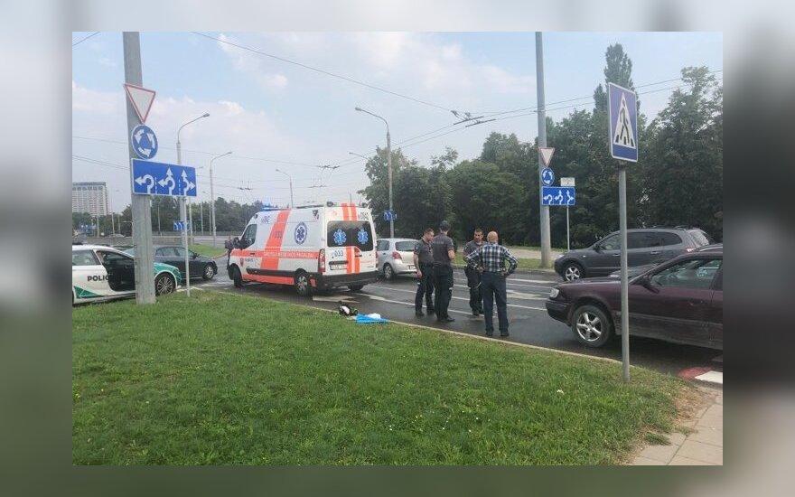 ДТП в Вильнюсе: автомобиль Audi сбил девушку