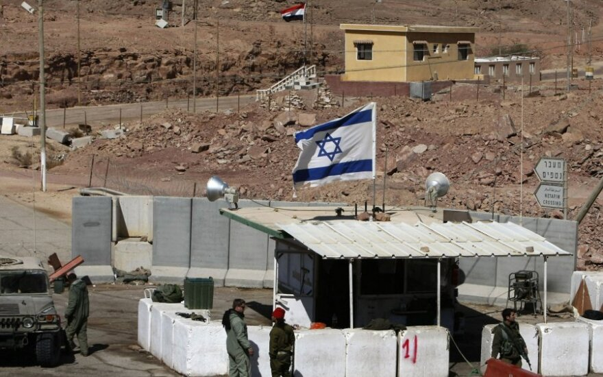 Izraelyje netoli sienos su Egiptu apšaudyti autobusai