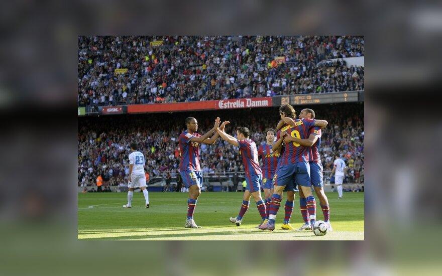 """""""Barcelona"""" futbolininkai džiaugiasi įvarčiu"""