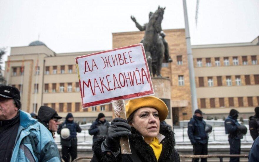 Makedonijoje prasideda sudėtingi debatai dėl prieštaringai vertinamo pavadinimo keitimo