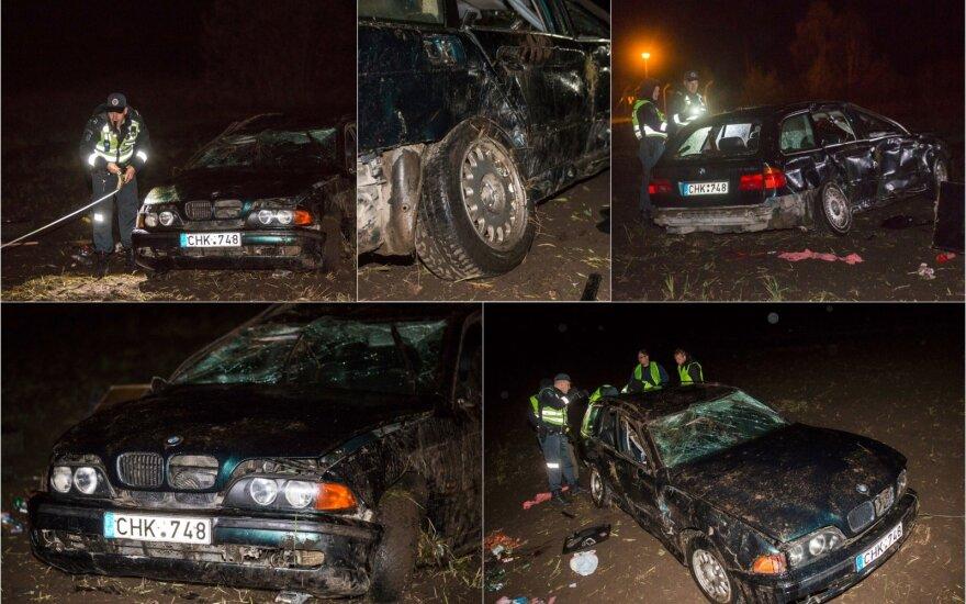 В Швенченском районе ночью с дороги вылетел BMW, погибла 19-летняя девушка
