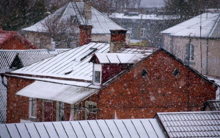 Литву засыпает снегом