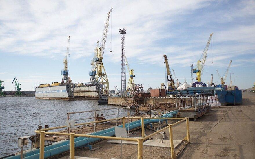 Трагедия на корабельной верфи: сломалась кабина крана, погибли два человека